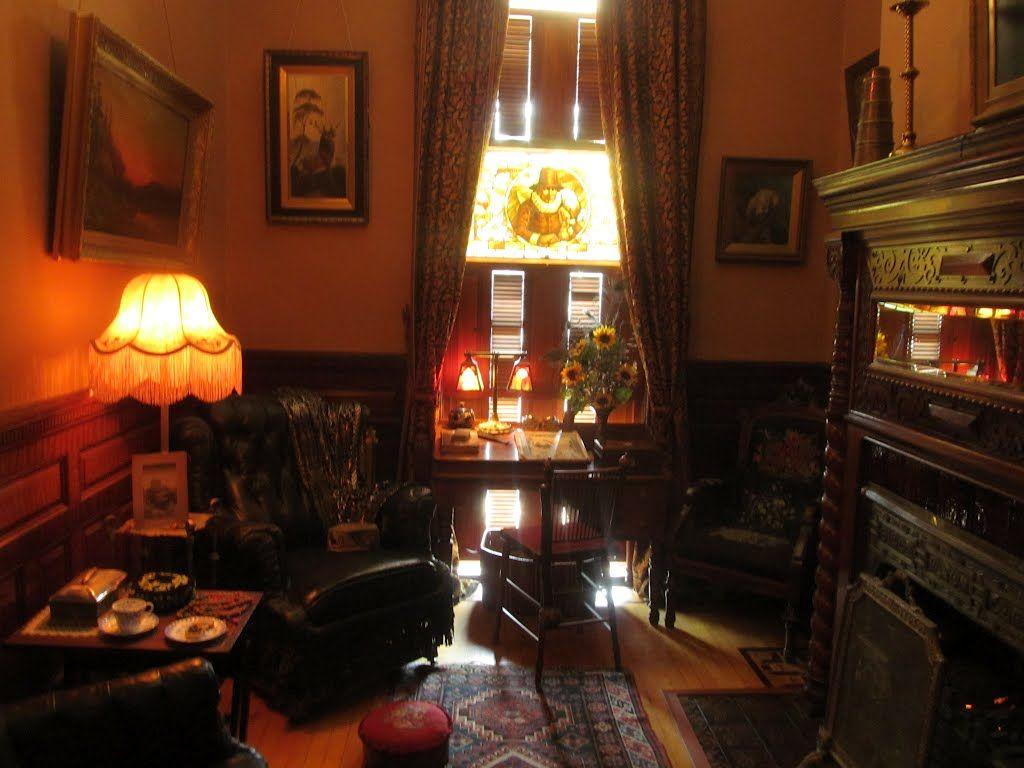 Living room victorian pinterest baker street sofas and 221b - Victorian Smoking Room