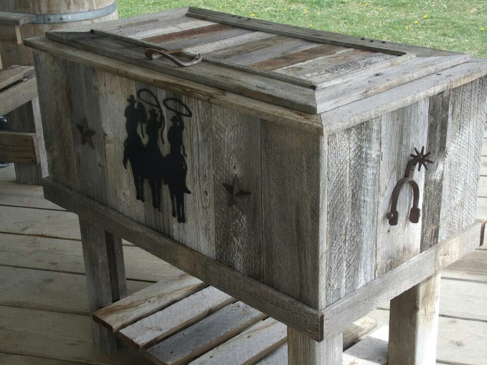 Do It Yourself Outdoor Bar: Pallet Painting, Home Decor