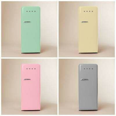 SMEG Kühlschrank In Pastell