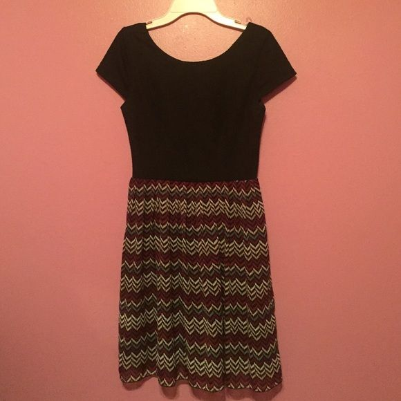 Speechless dress Just cleaning out my closet! This dress is in very good shape and is perfect for special occasions! Speechless Dresses Midi
