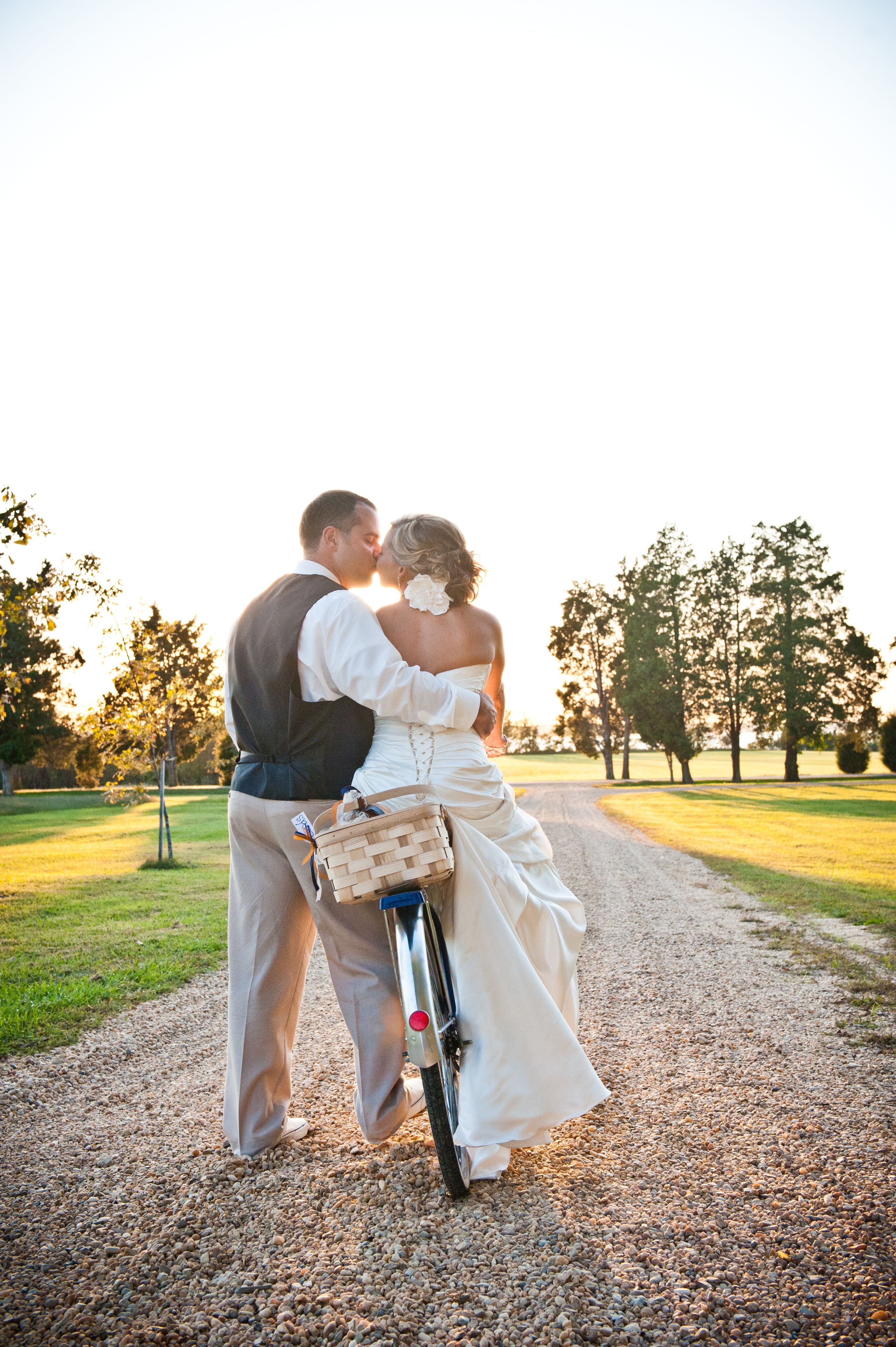 love my photographer...old fashioned bicycle themed wedding ...