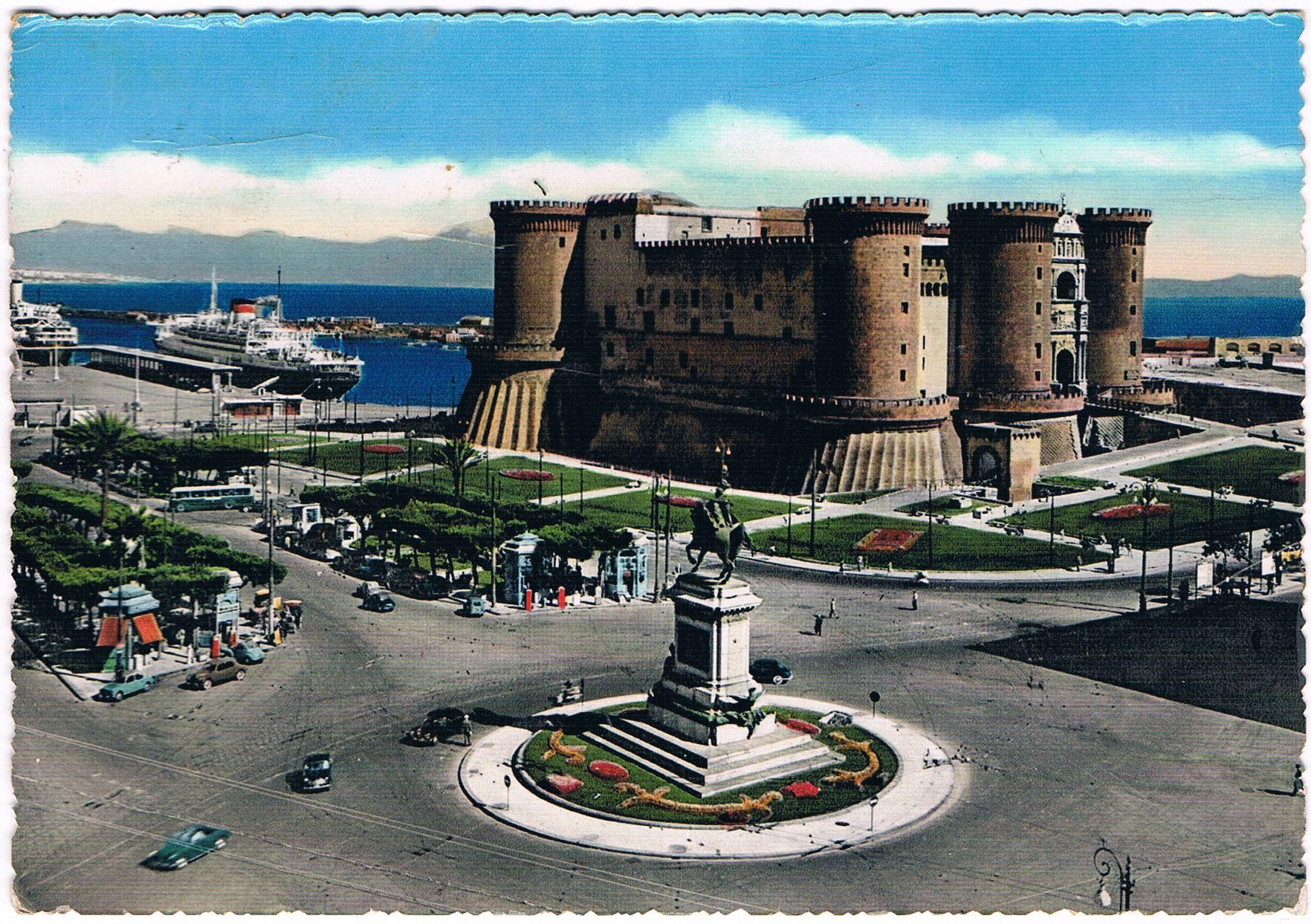 Napoli Piazza Municipio E Maschio Angioino 1957