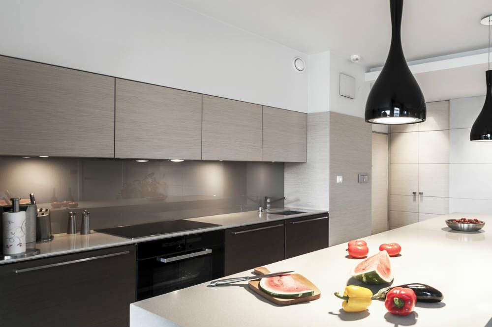 prix d 39 une cr dence cuisine inox verre kitchens. Black Bedroom Furniture Sets. Home Design Ideas