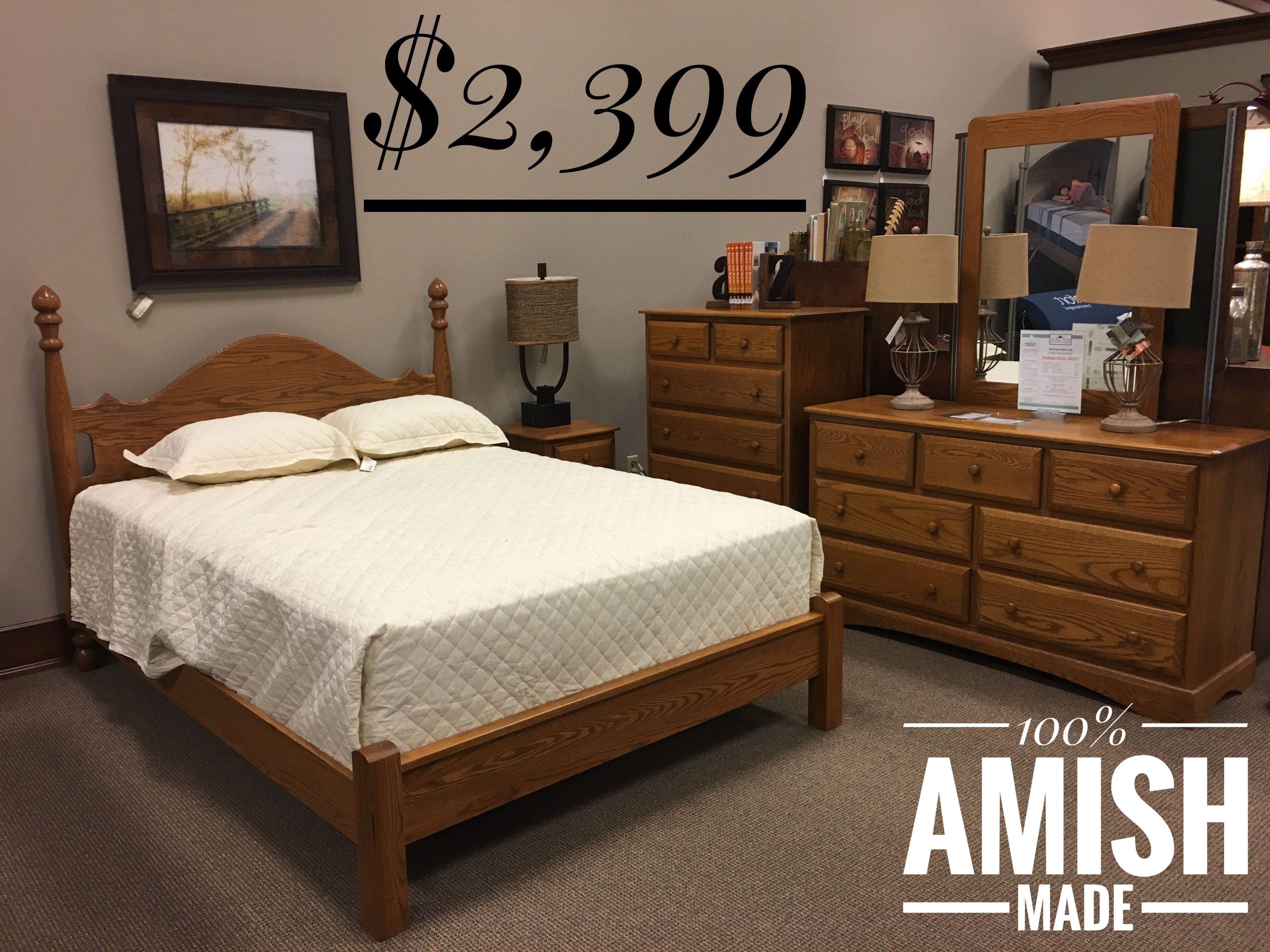 Oak queen bedroom set with medium finish. Call 330440