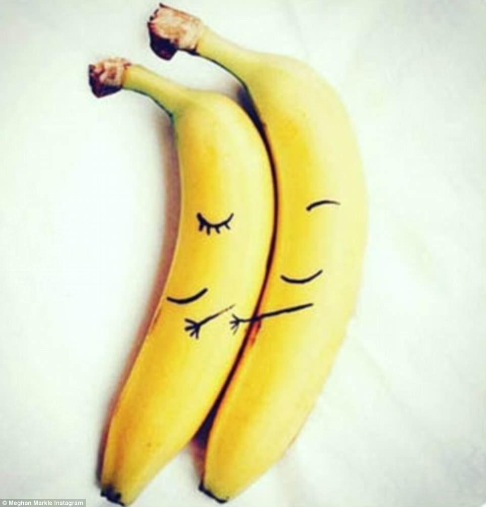 The Hunky Chef Meghan Markle Nearly Married Banana Art Banana Fruit