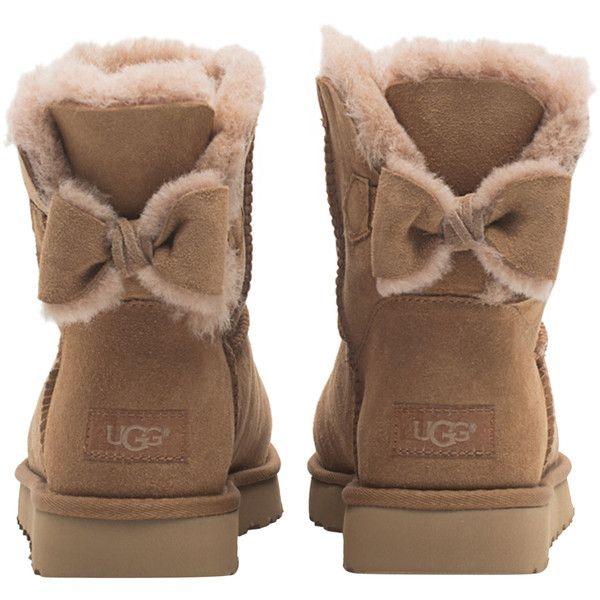UGG Naveah Chestnut // Short shearling boots with bow (13.810 RUB) ❤ liked on Polyvore featuring shoes, boots, ankle booties, shearling boots, sheep fur ...