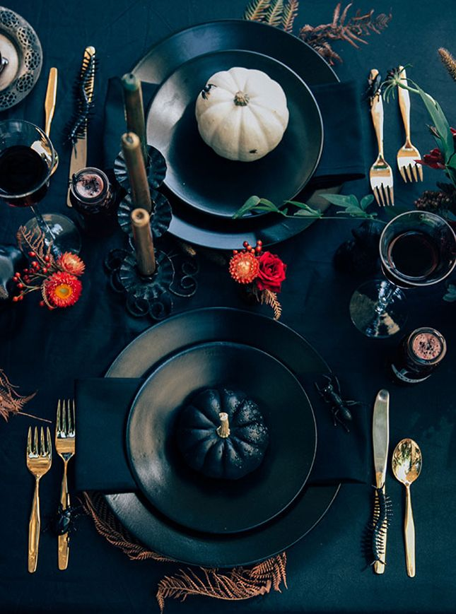 9 Things You Need to Throw an Elegant Halloween Dinner Party
