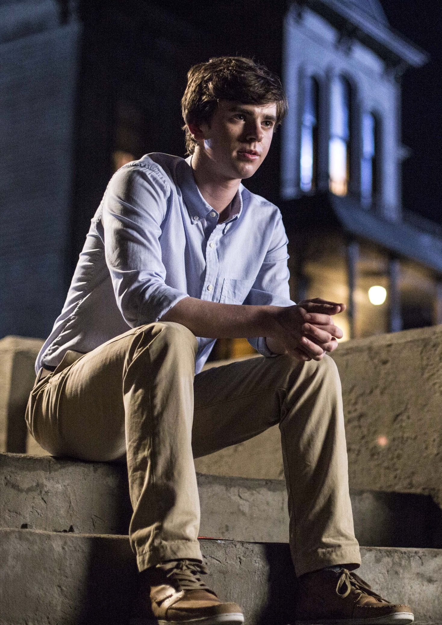 Freddie highmore as norman bates motel hehe for Freddie highmore movies and tv shows