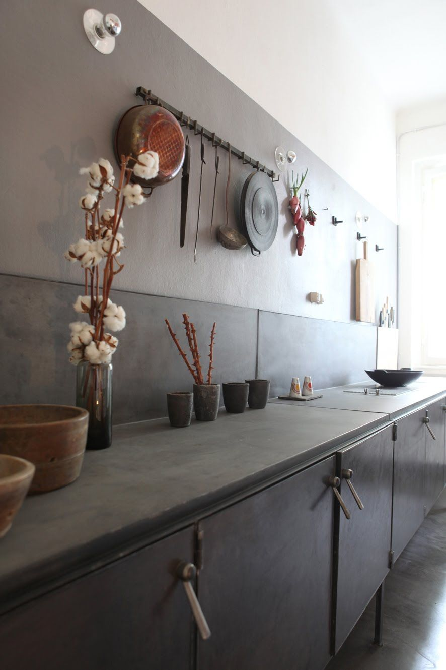 Variazioni sul tema by pietro russo 50 mq decorated for Appartamento design industriale