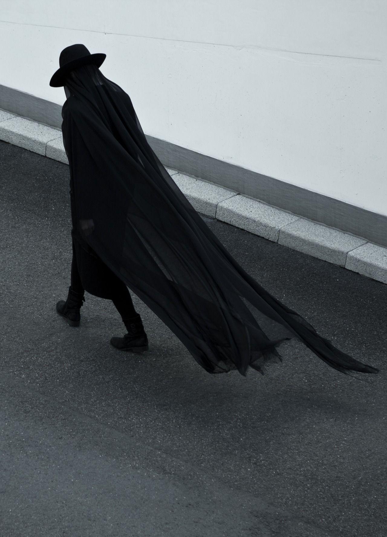 Drape cape gothluxe avantegarde fashion moda Él pinterest