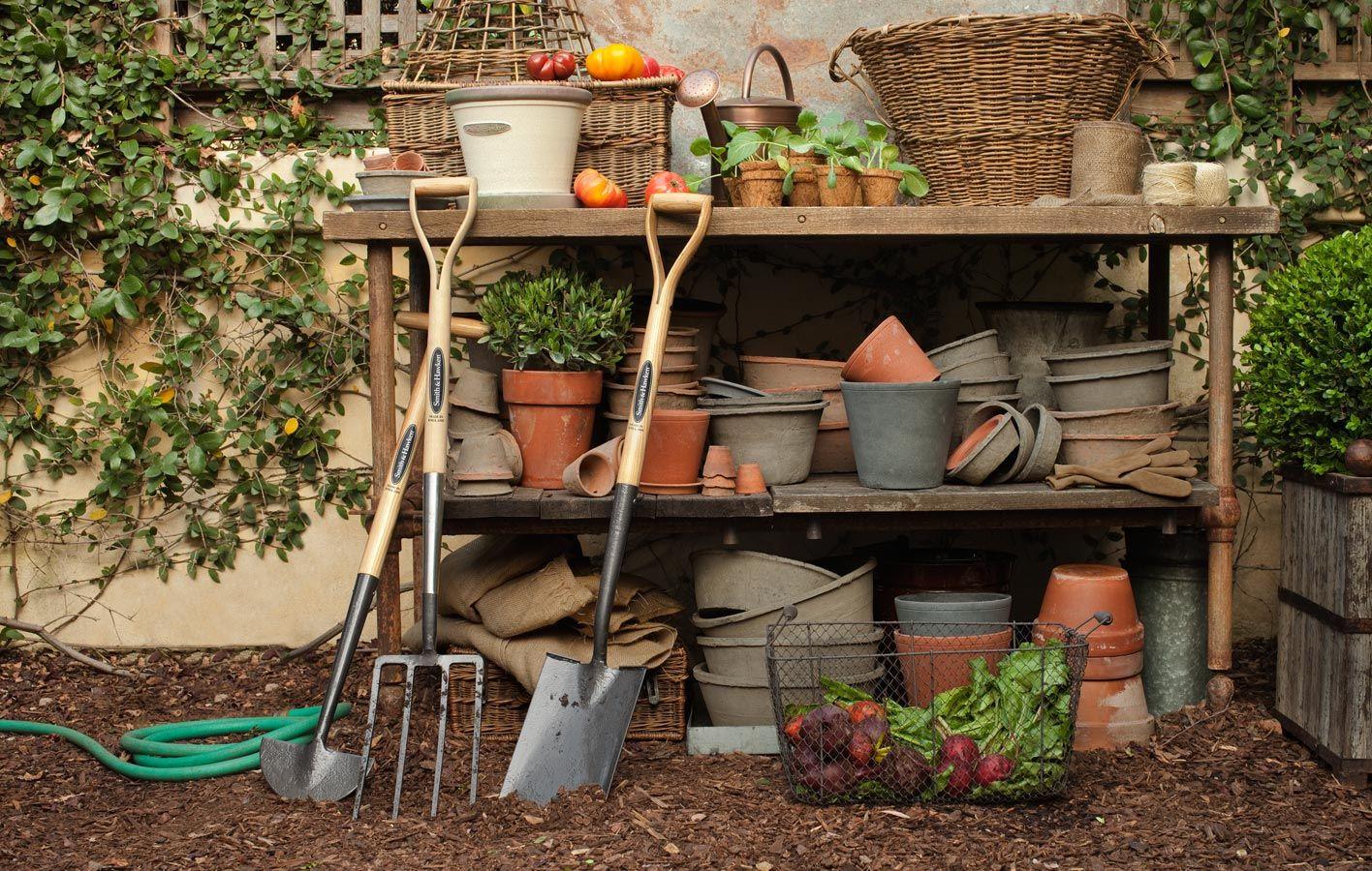 Smith Hawken Digital Catalog Long Handles Country Cottage Garden Garden Inspiration