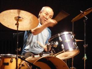 Great man, pure talent. And now in Argentina...  Gran hombre, puro talento. Y ahora en Argentina...  #SabuToyozumi #jazz #freejazz #avantgarde #vanguardia #Japan #Japón #Argentina