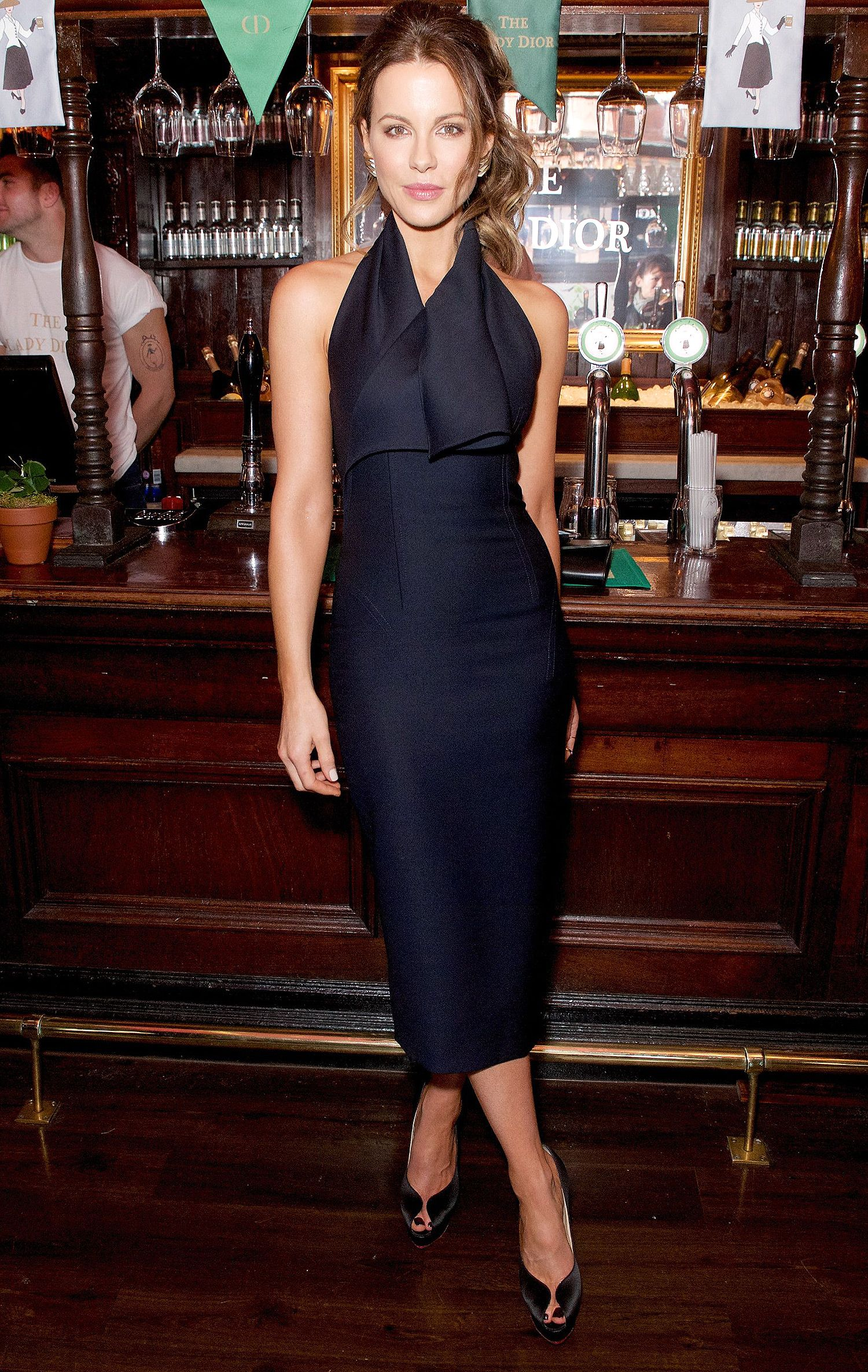 KATE BECKINSALE | Trajes Negros | Pinterest