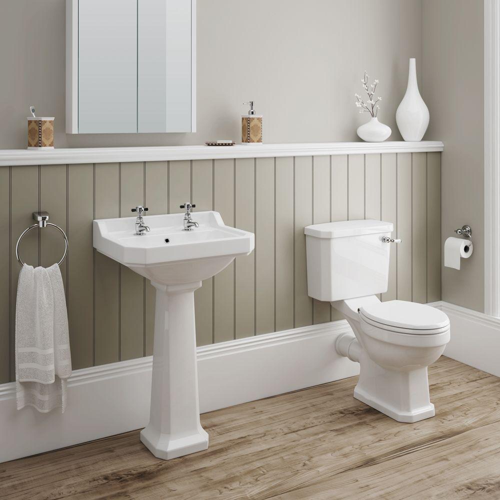 Photo of Darwin 4-teilige traditionelle Badezimmer-Suite | Victorian Plumbing.co.uk