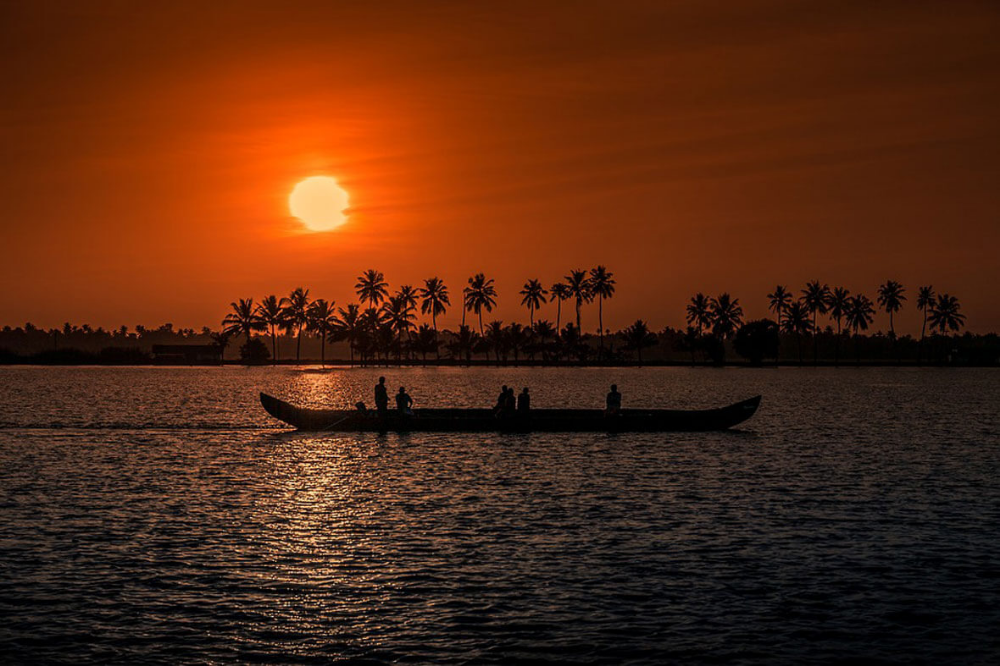 Visit Alleppey - 5 Reasons To Try Alleppey Tourism