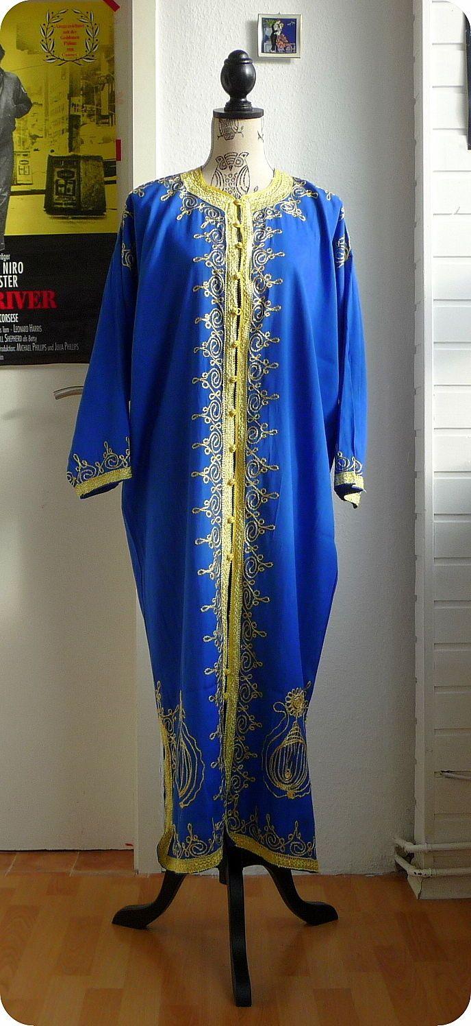 Das kleid schwarz blau oder weib gold