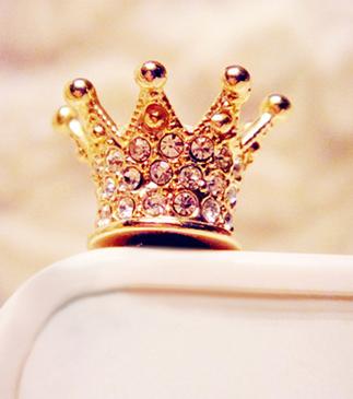 "Plug ""coroa dourada""."