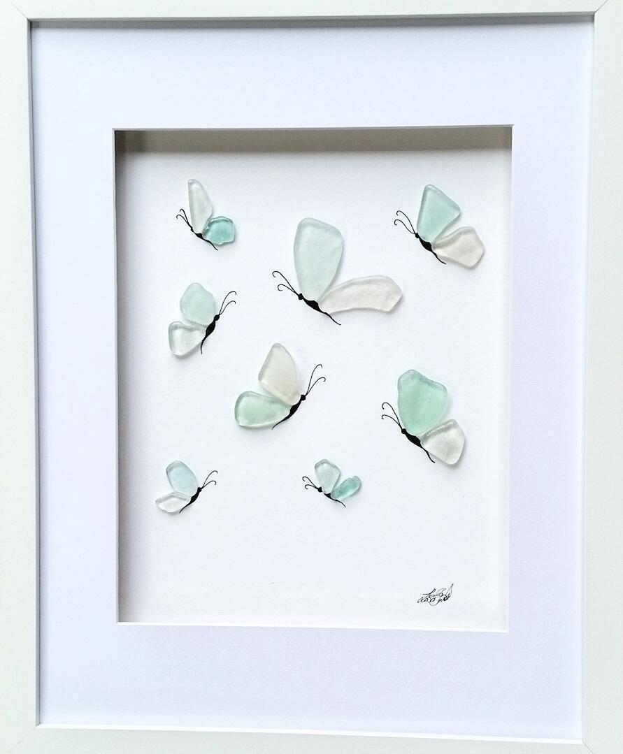 Butterfly Love Seaglassartist Seaglassart Buttetflies Butterflylove Madetoorder Seaglasswings Sp Sea Glass Crafts Beach Glass Crafts Glass Art Pictures