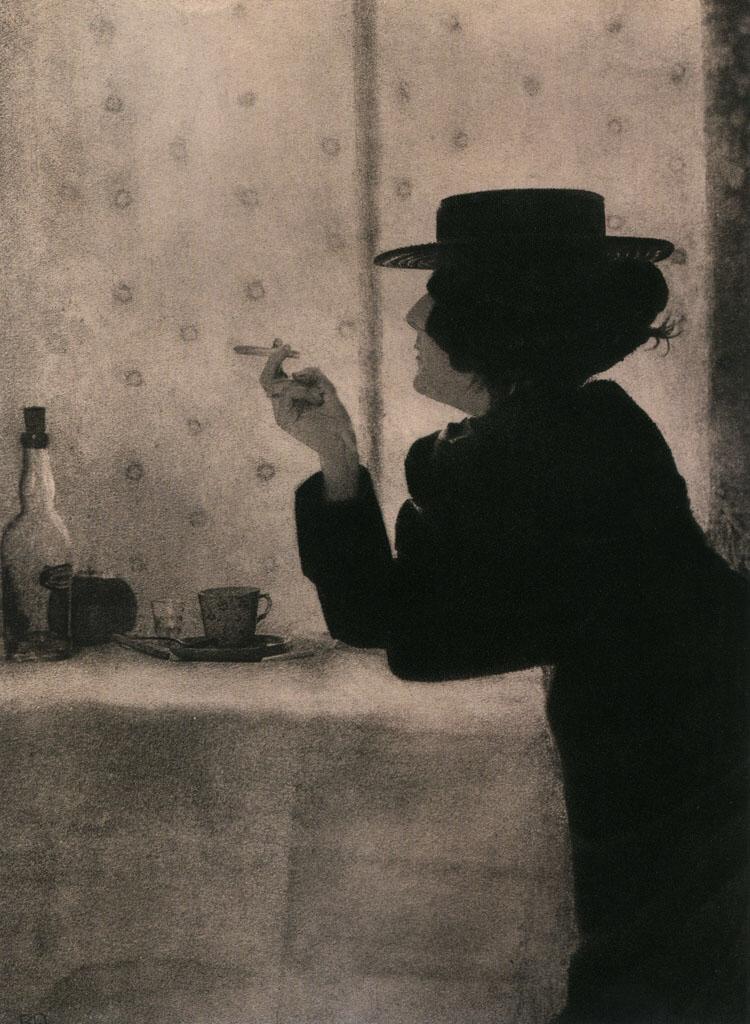 Robert Demachy. Femme à la cigarette et au canotier, 1899. pic.twitter.com/hhdC7NJvqd