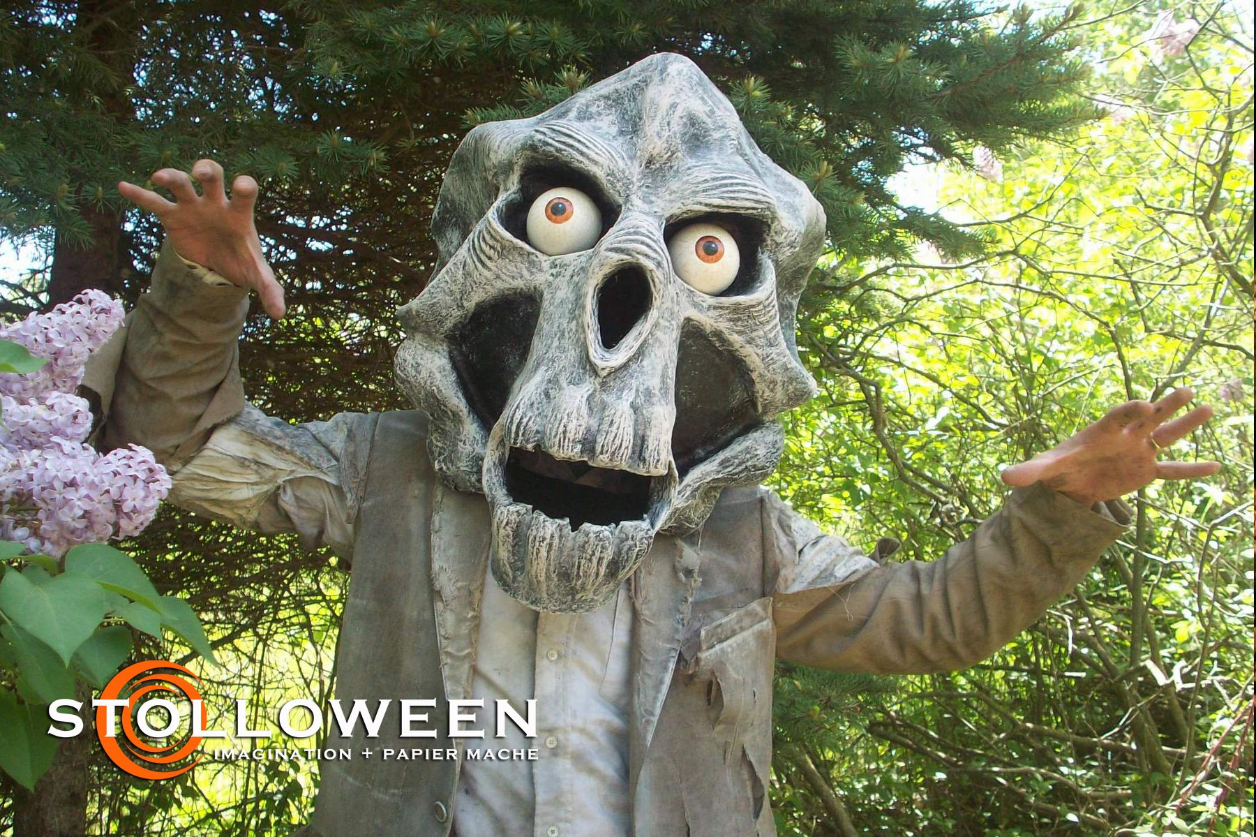 Stolloween, awesome talent with the papier mache! Halloween - Kid Friendly Halloween Decorations