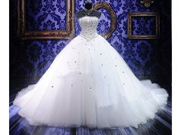 A gypsy style wedding dress, sorry baby but I just love by poof ...