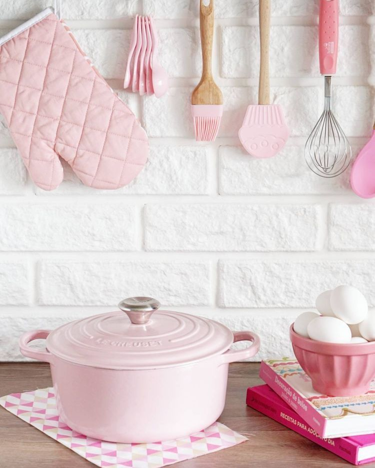 Pin De Elle Amin En Your Pinterest Likes Cocina De Color Pastel Cocina Rosa Cocinas Rosadas