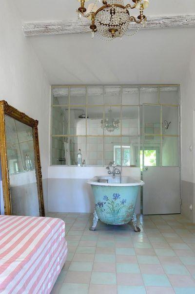 Salle de bains avec poutres  6 photos déco à découvrir Window - deco maison avec poutre
