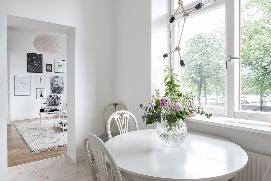 Nyupptagen öppning mellan kök och vardagsrum