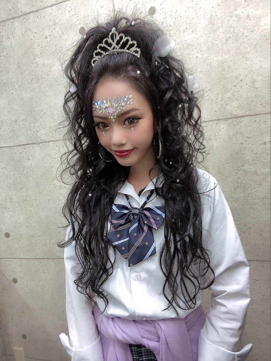 卒業式 成人式 文化祭 京都 セット 体育祭 ティアラ ラインストーン Hair Make Salon Revier ヘアセット ロング 盛り 髪 ヘアセット