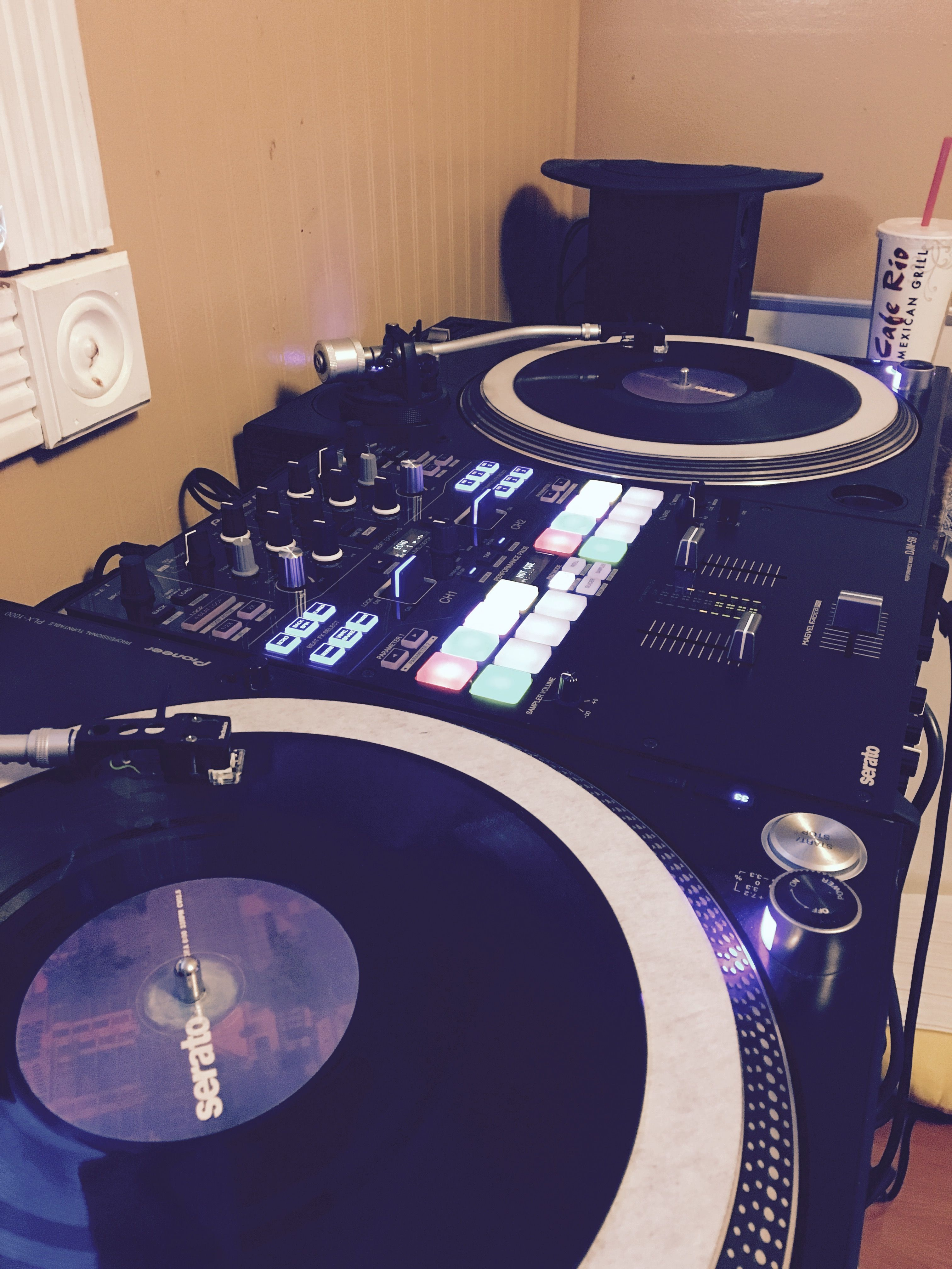 an all pioneer setup 2 pioneer plx 1000 turntables and 1 djm s9 mixer. Black Bedroom Furniture Sets. Home Design Ideas