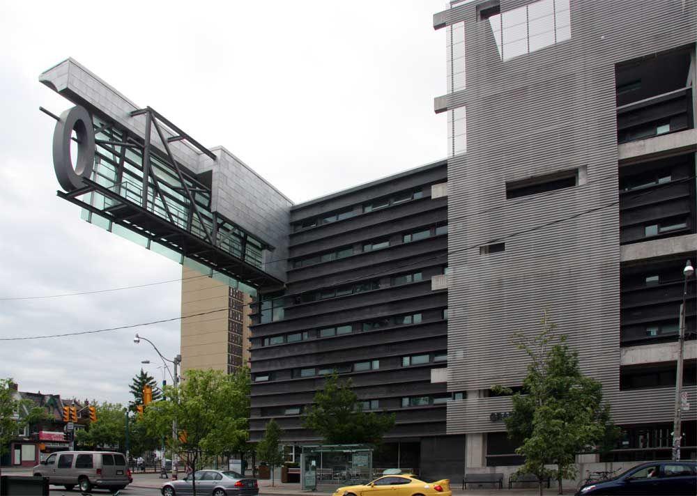 Graduate House, University of Toronto Thom Mayne/Morphosis