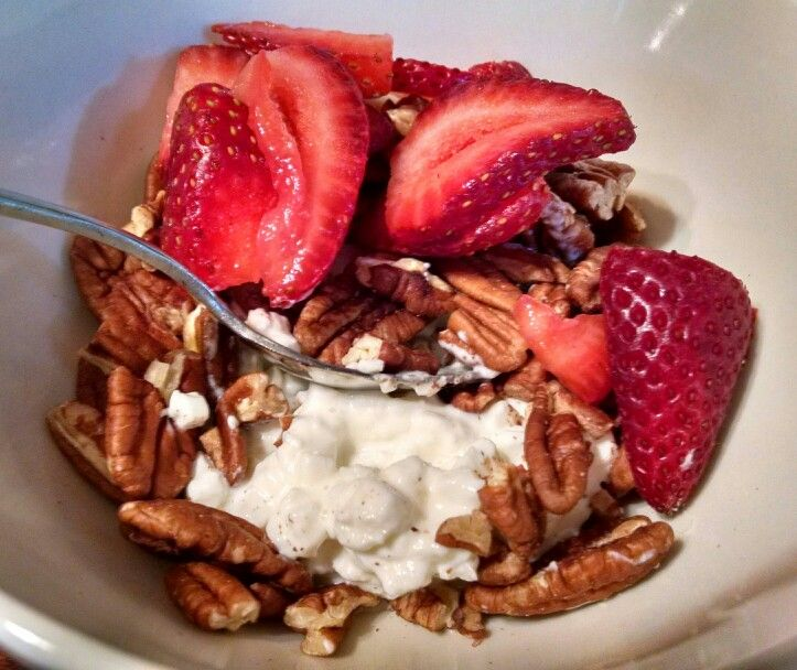 Home this morning after a relaxing weekend, and enjoying my favorite #lowcarb breakfast: 1/4 cup Daisy brand cottage cheese, 1/3 cup pecan halves & 2 fresh strawberries. :-)