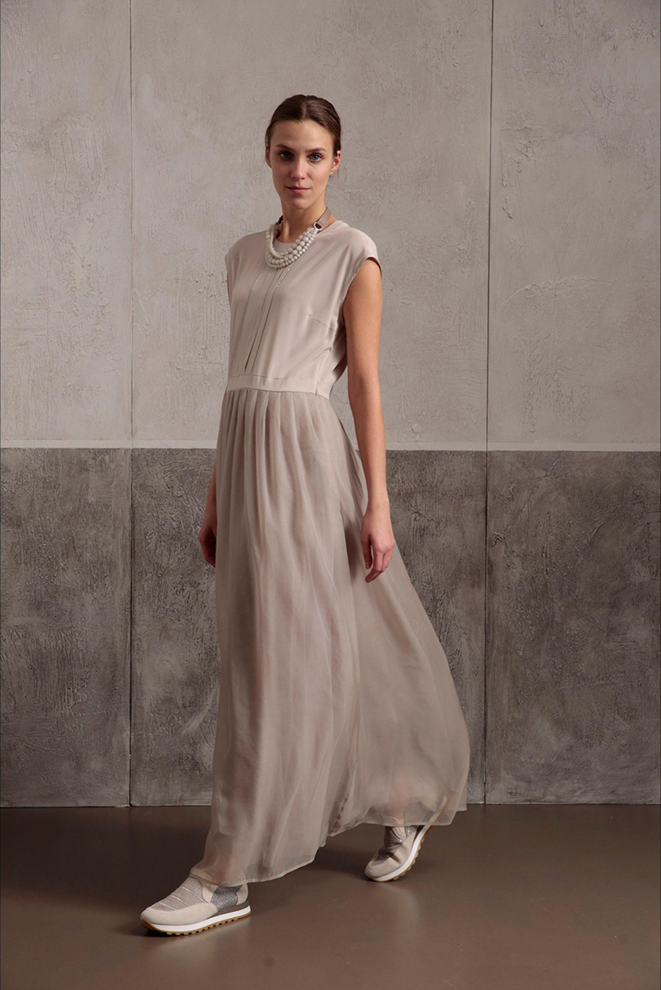 Guarda la sfilata di moda Peserico a Milano e scopri la collezione di abiti  e accessori 3c4fad9c5961