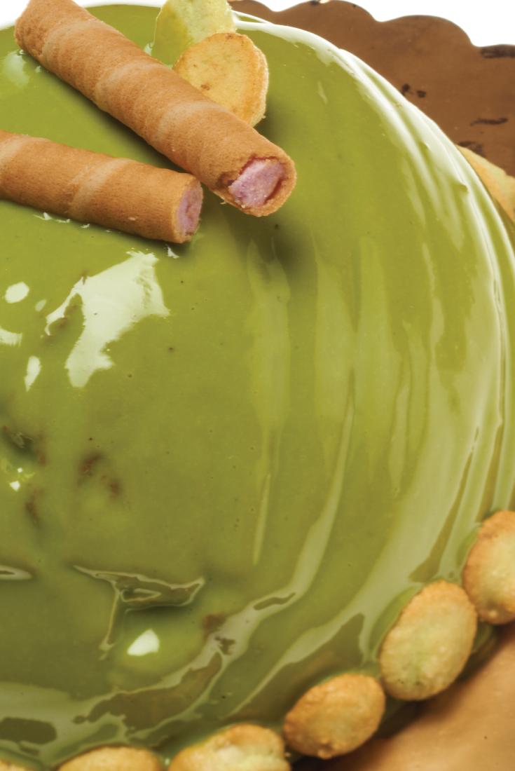 Photo of Torta al pan di spagna e topping al Pistacchio della Nonna L