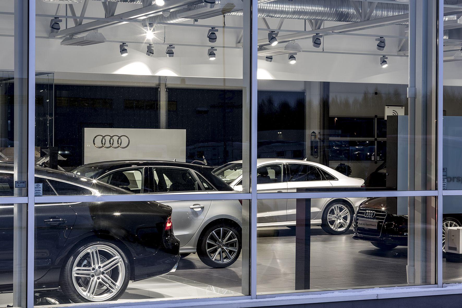 Audi Moller Bil Jessheim Norway Light Retail Licht Beleuchtung Beleuchtung Licht Edeka