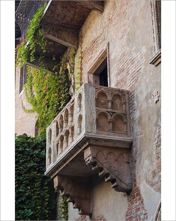 PhotographJuliet's house and Juliet's balcony, Verona