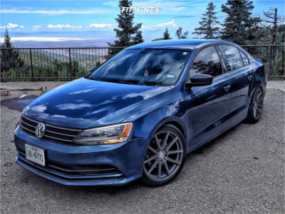 This 2016 Volkswagen Jetta Fwd Is Running F1r F27 18x8 5 45 Wheels Goodyear All Season Tires With H R Lowering S Volkswagen Jetta Volkswagen Volkswagen Phaeton