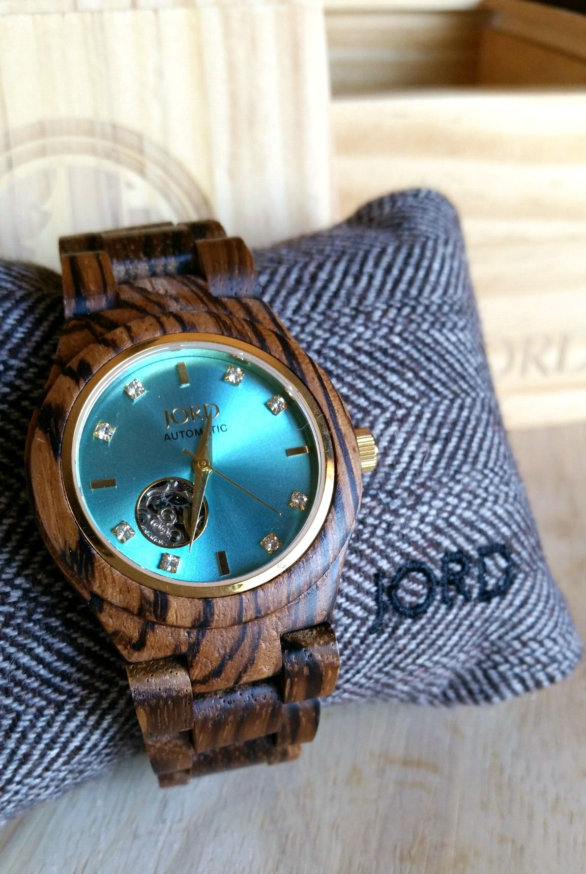 watch review unique giveaway pin and quartz wood jord watches