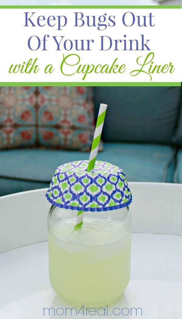 Keep your drinks bug-free using a cupcake liner.