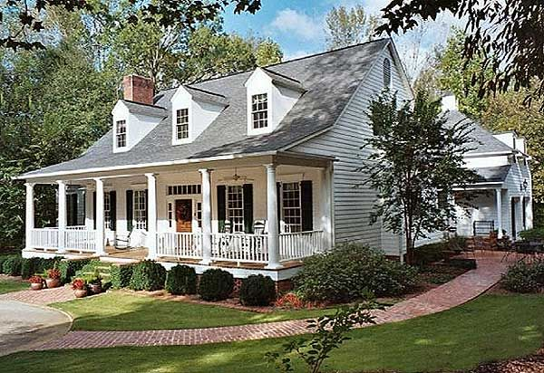 Southern house plans on pinterest traditional house for Country home designs floor plans