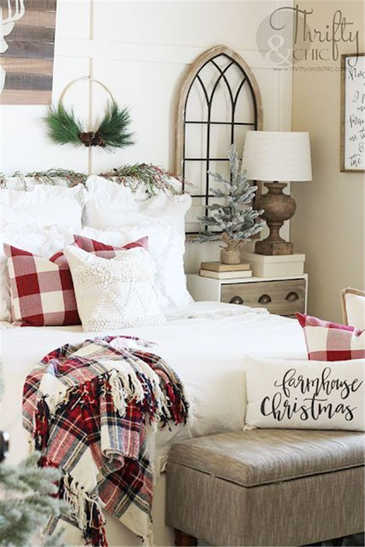 50 Comfortable And Sweet Winter Bedroom Decoration Ideas