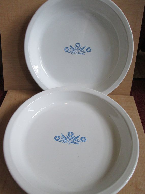 A pair of Corningware Cornflower pie plates perfect for autumn or Thanksgiving baking! They are 9 by 1 1/2 perfect for baking a pair of pies. & Vintage Corningware Cornflower Pair Pie Plate Lot Vintage Serving ...