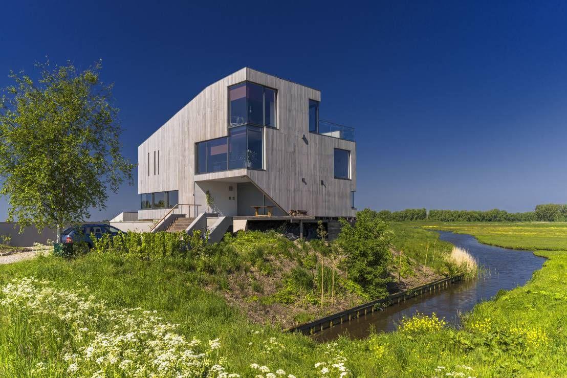 graue villa im gr nen traumh user pinterest moderne architektur villa und umgebung. Black Bedroom Furniture Sets. Home Design Ideas