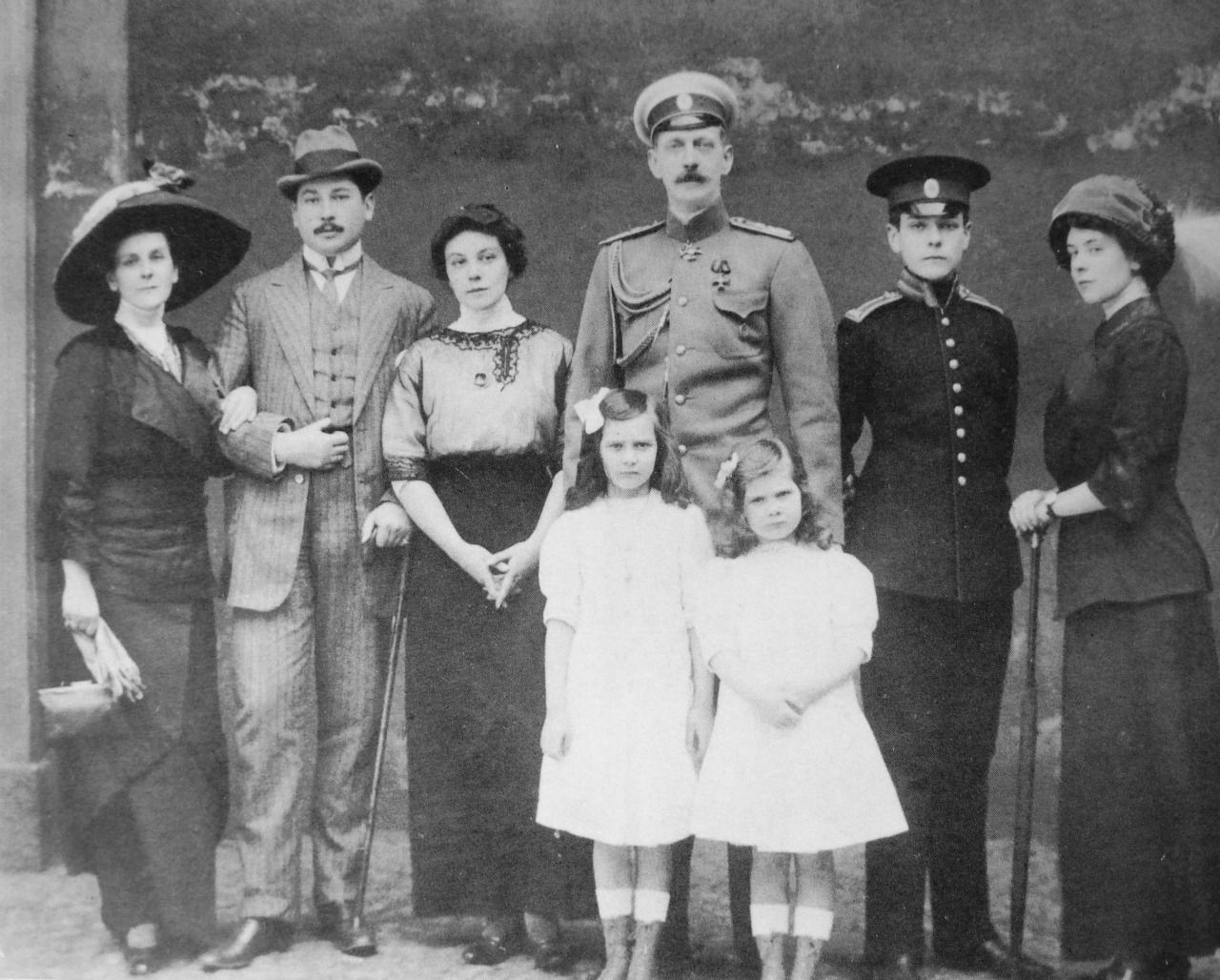 rom the left to rigth: Princess Olga Paley, her eldest son Alexander Erikovich, Olga Erikovna,Grand Duke Paul Alexandrovich of Russia,Princess Irina Paley,Princess Natalia Paley, Prince Vladimir Paley and Marianne Pistohlkors.
