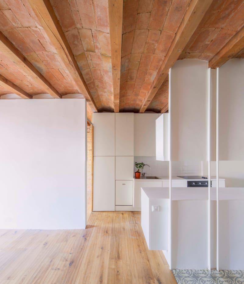 Dans cette cuisine blanche et minimale, ju0027aime beaucoup la cloison