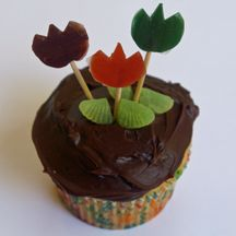 Cute tulip cupcakes from my site, www.EasyCupcakes.com