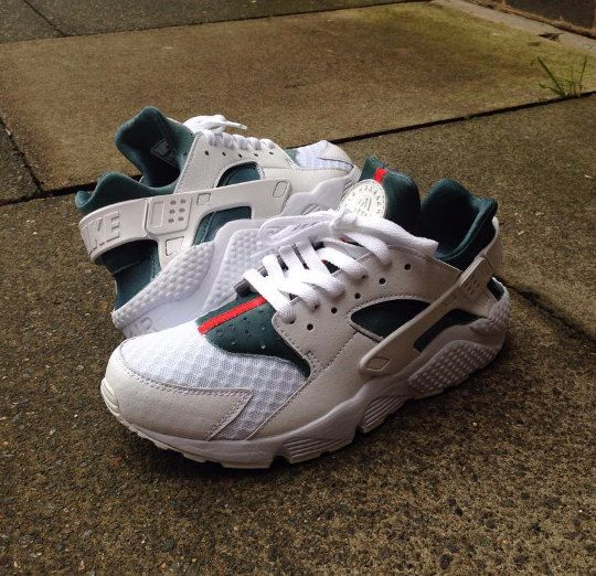 huge selection of d31eb 72150 White Huaraches Gucci Customs