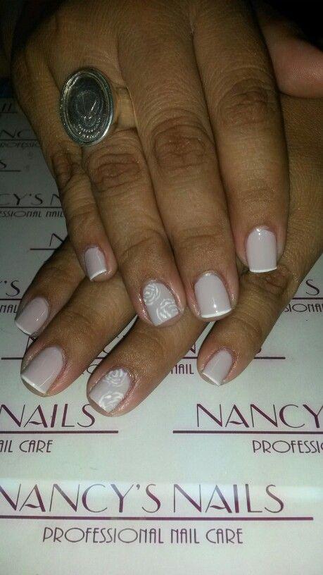 Retirado de acrilico y pintado y diseño con rosas en nail art pen