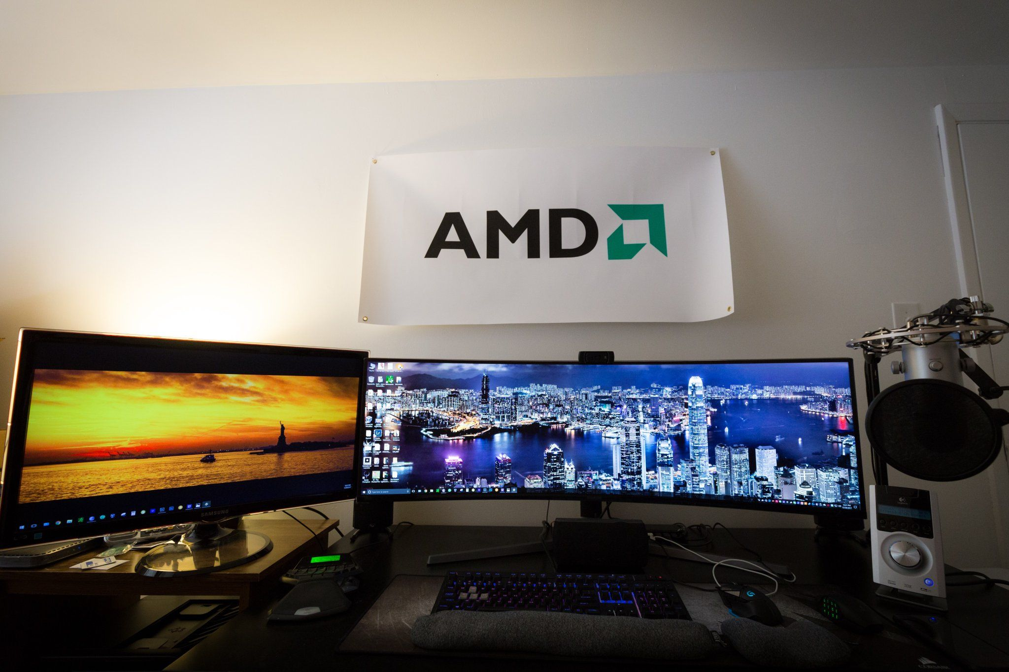 I'm loving my new Samsung 49 inch UltraWide HDR QLED Gaming Monitor