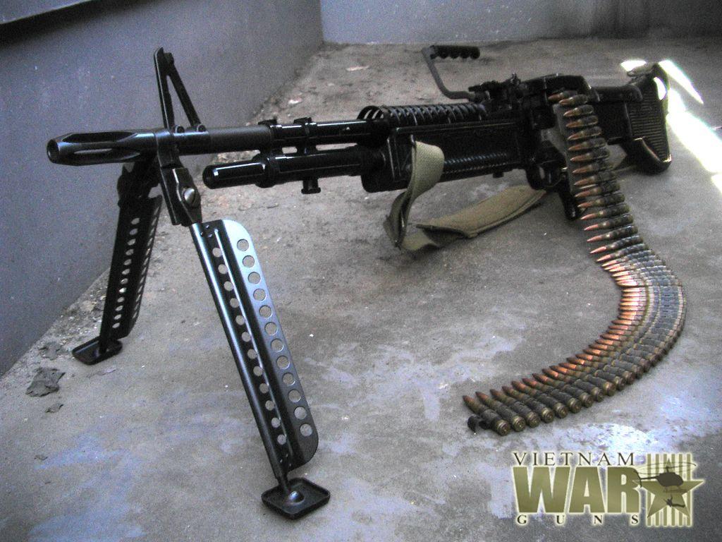 Machine Gun | Replica M60 machine gun with dummy 7 62mm ammo